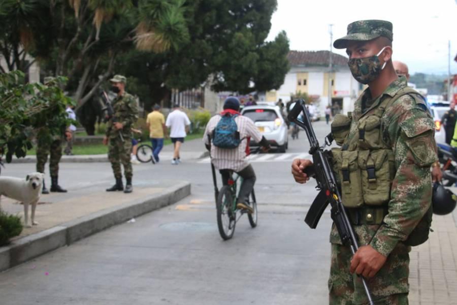 Militares en las calles